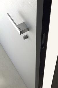 DF-Sistemi-Serramenti-e-Porte-100-porte_Mister-shut_porta-ingresso-Next-dettaglio-maniglia-e-serratura_01